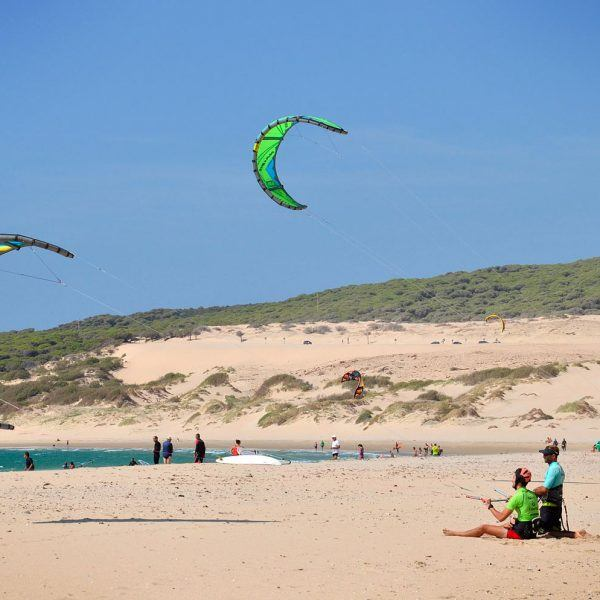 Kite control semi-private class. Main kitespot valdevaqueros beach. Tarifa.