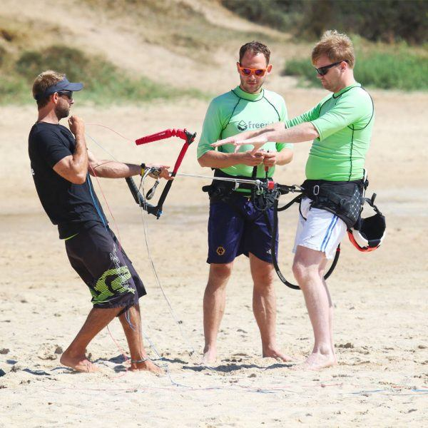 Demonstration of safety systems in kitesurfing