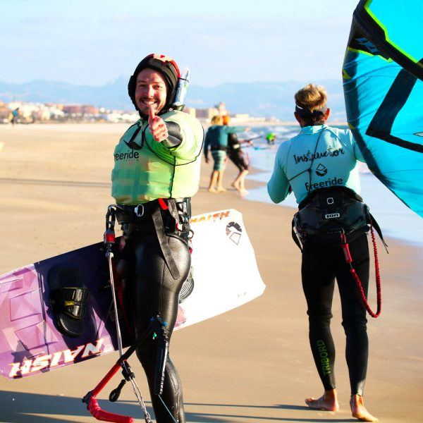 Kite and stay in Tarifa with The kitesurfing school Freeride Tarifa