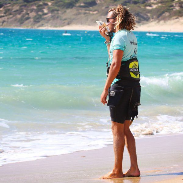 Radio headset courses in Tarifa. Kitesurf classes for all level. Kite school Freeride Tarifa