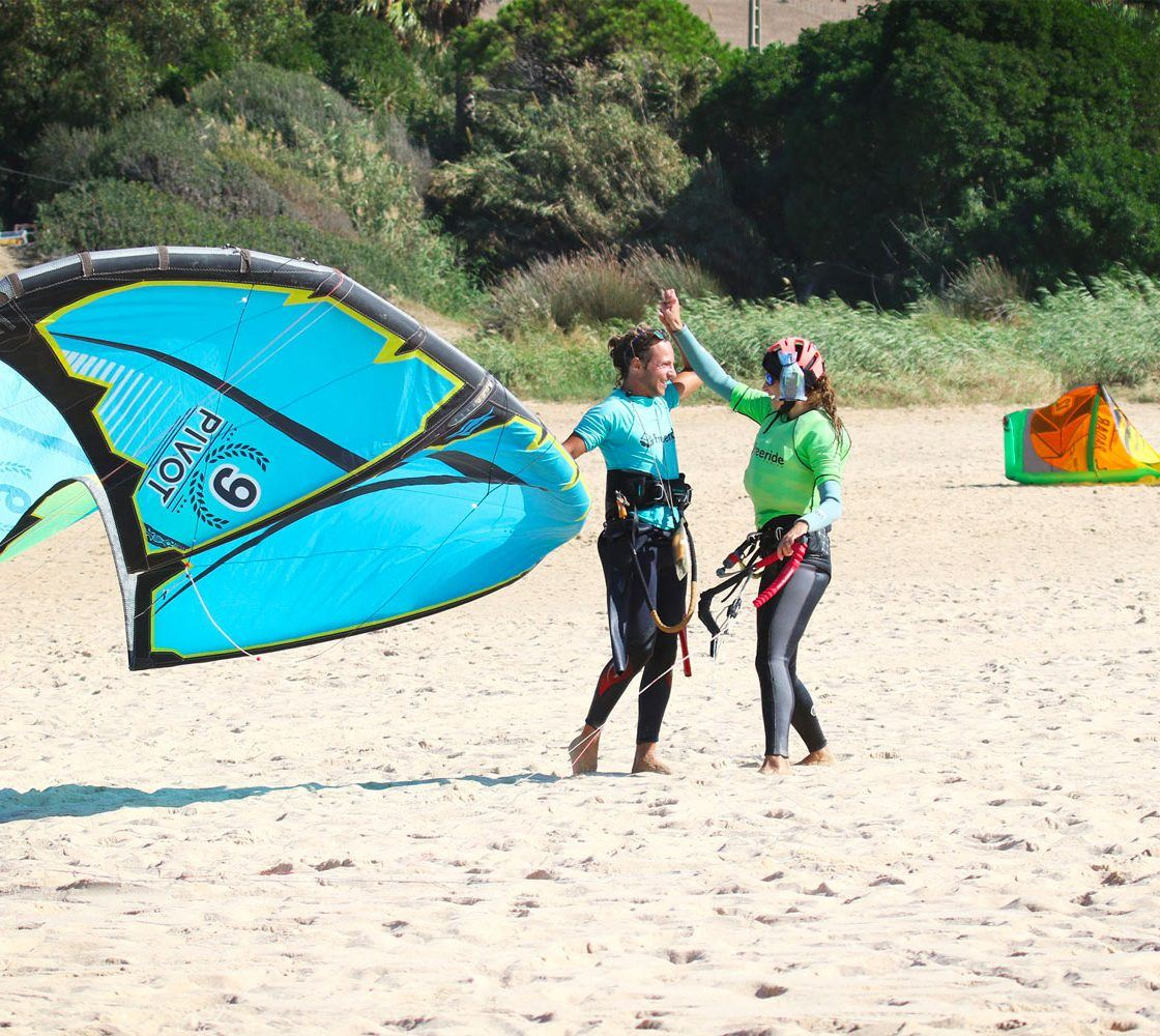 Kitesurfing in spain. Ride and stay in tarifa. Kitesurf school Freeride Tarifa.