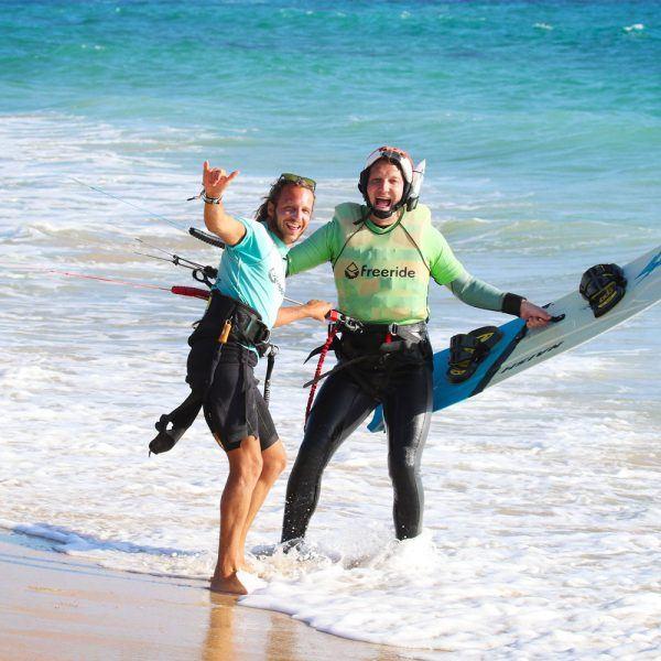 Fun and kitesurf with Freeride Tarifa. Kitesurfing camp.