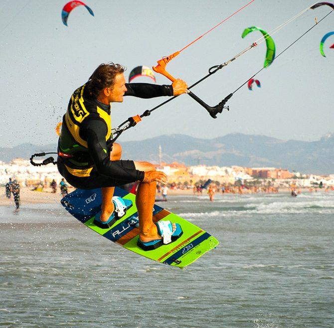 pratique du kitesurf, Tarifa