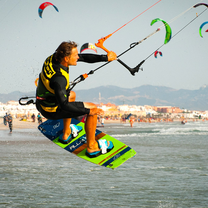 photo de saut en kitesurf