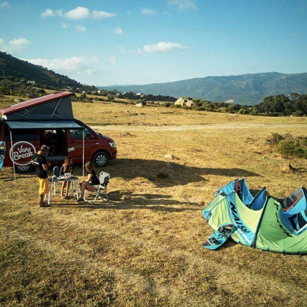 Kite et road trip en camper van, volkswagen T6 en espagne