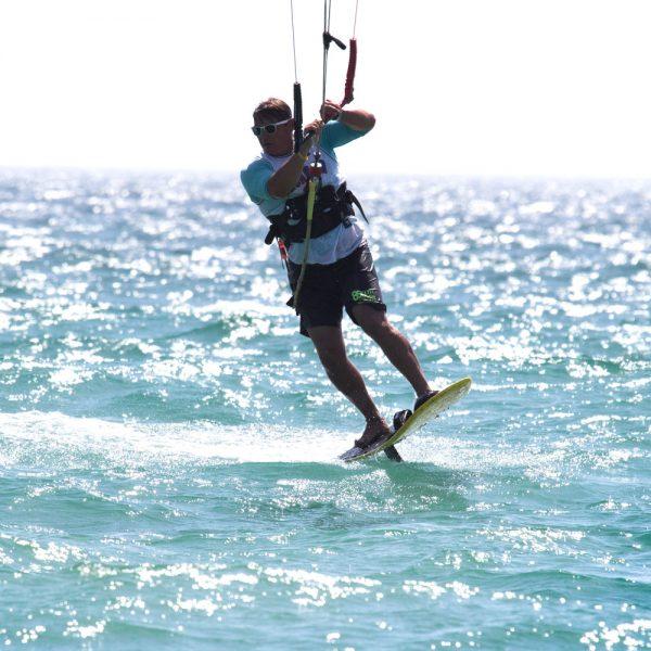 entrainement au kitefoil, découverte sport d'eau
