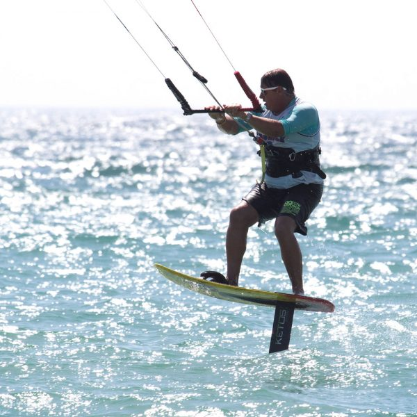 Enseignement du kitefoil, sports en mer