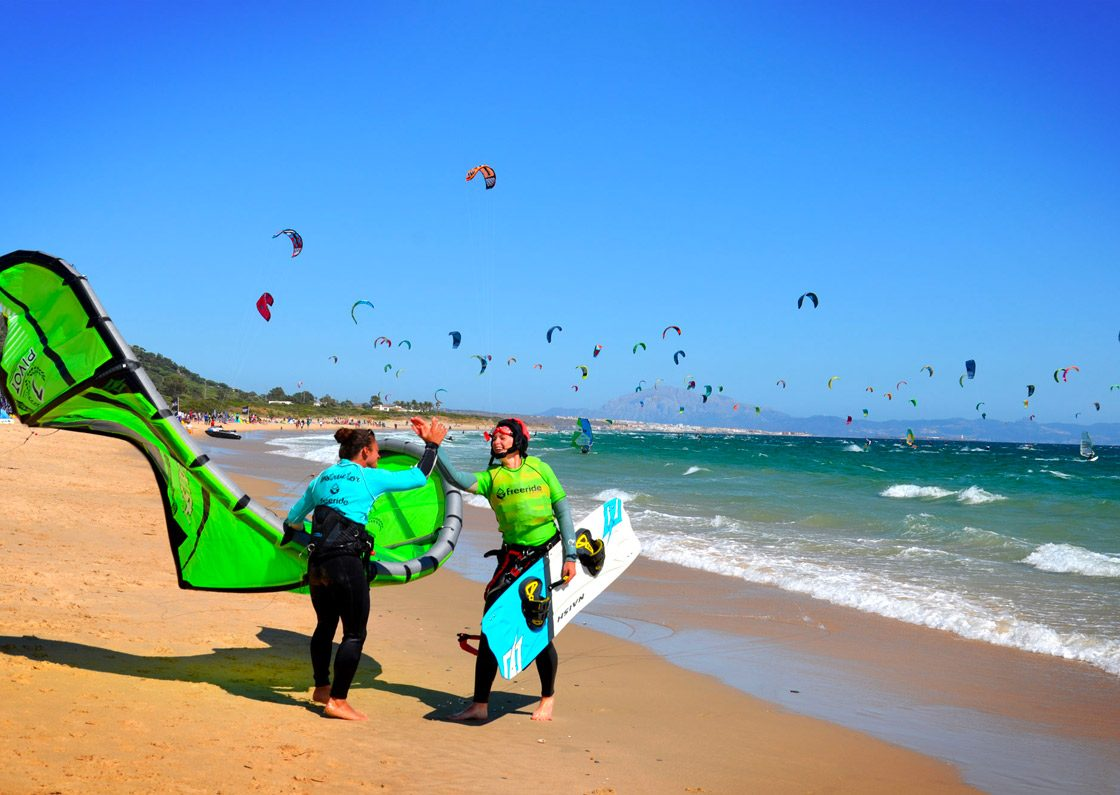 Discover kitesurfing with Freeride tarifa, Kite School.