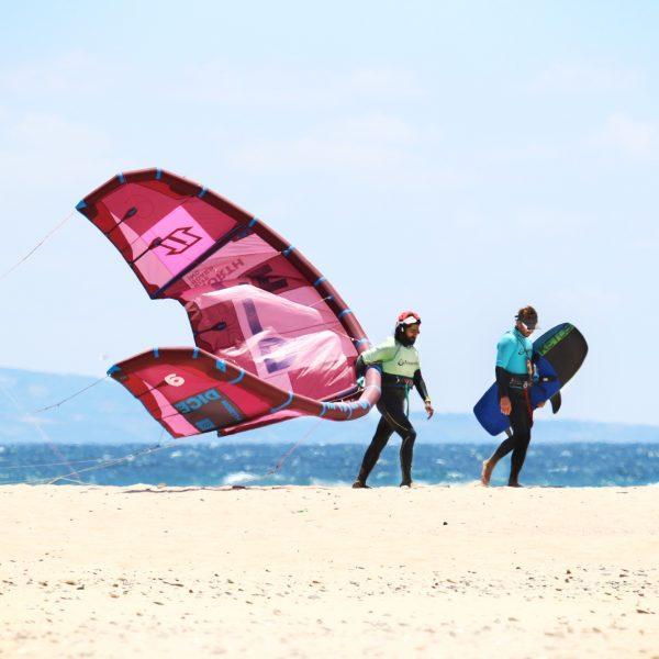 Kitefoil training, cours de foil, apprendre le kitefoil à Tarifa, learn how to kitefoil