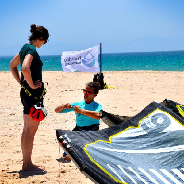 Beginner kiteboarding class in Tarifa. Valdevaqueros beah. Private class. Freeride Tarifa