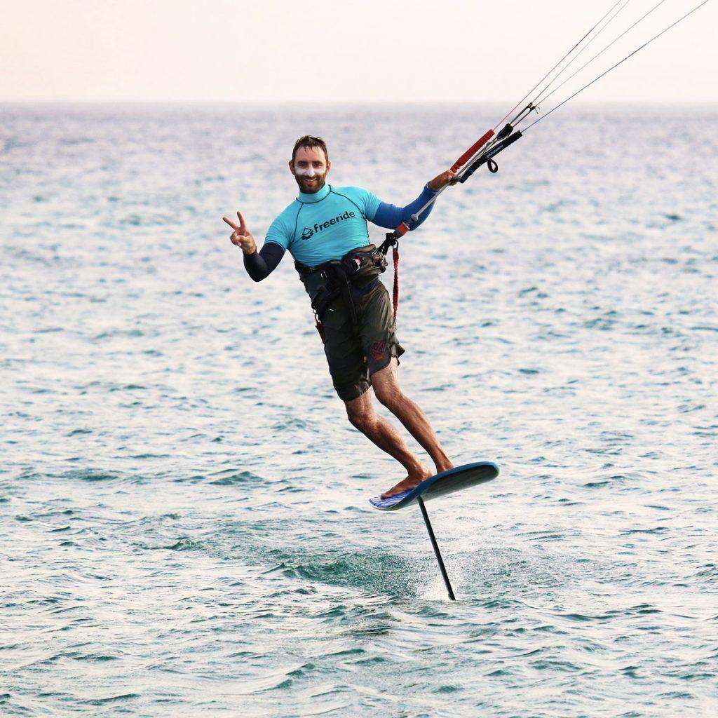 Ketos foil Tarifa, apprendre le kitefoil, leçon de foil pour débutant, learn how to kitefoil for beginners