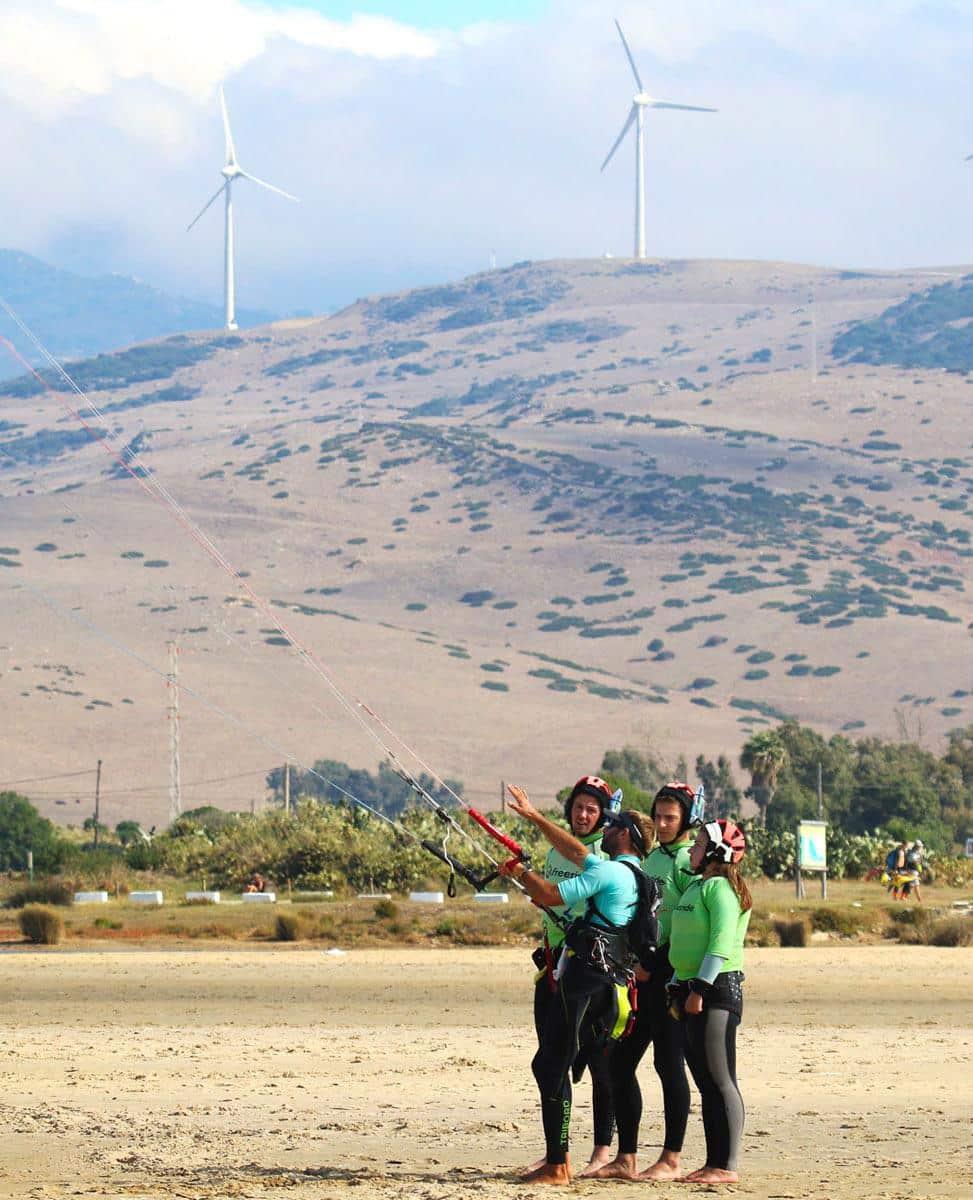 Kite and fun in Tarifa. Training group class.