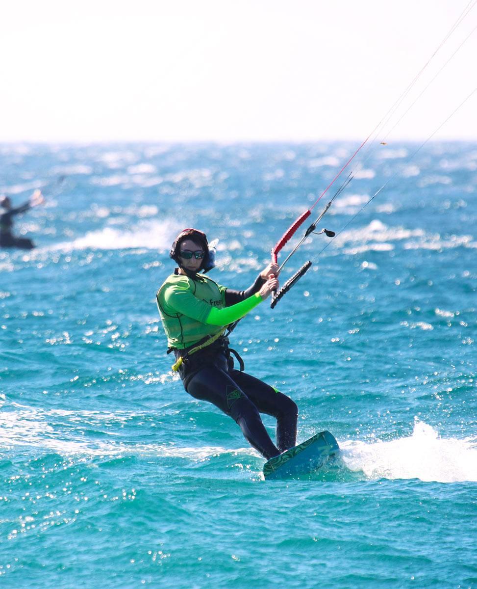 Tarifa The kitesurf Mecca of europe. Training in group lessons