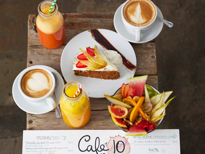 Café 10 in Tarifa, Breaksfast in the pueblo, puerta de Jerez