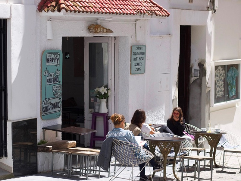 Café 10 in Tarifa, Breaksfast-Brunch in the pueblo, puerta de Jerez