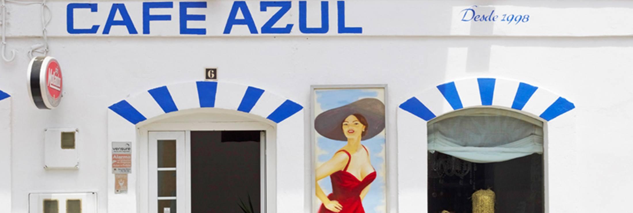 Café Azul Tarifa, Best Breakfast, cerales, fruit, smoothies.