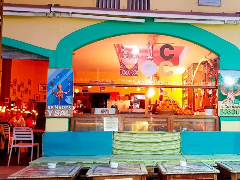El Mic Moc Restaurant Vegetarian Tarifa, local spanish food