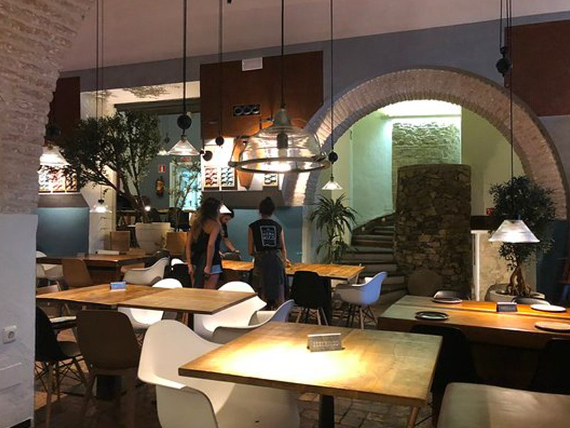 Interior Silos 19, the best Tapas Bar in Tarifa, Fresh Tuna, Pulpo