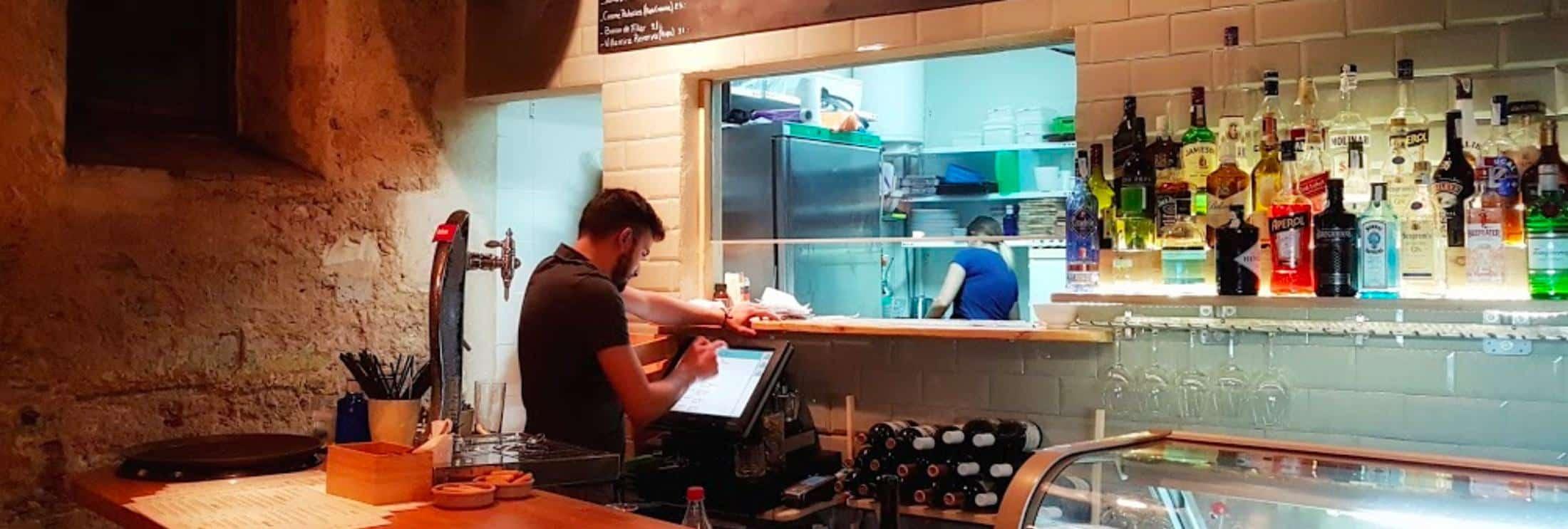 no-6-cocina-sencilla-Tapas-Bar-Tarifa-Restaurants in the old town