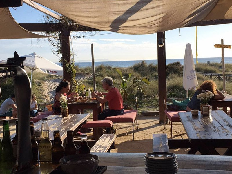 Waves_Chiringuito-Beach-Bar-SeaView-Tarifa-los-lances-beach