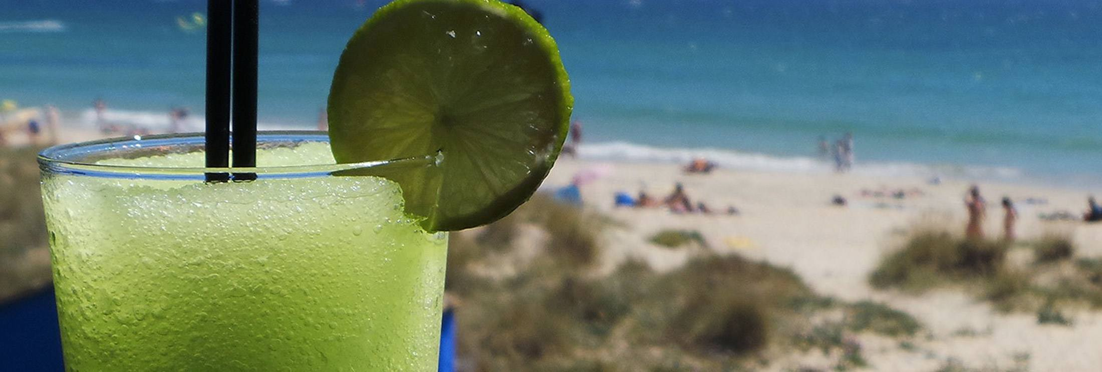 Beach-Lounge-Chiringuito-Beach-BarKiteSpot-Tarifa-los-lances-Balneario-freeride tarifa kitesurfing school