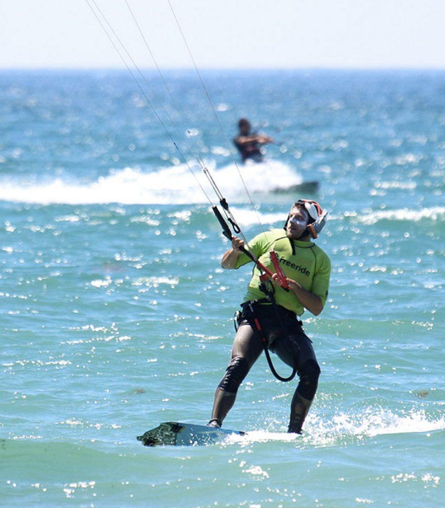 waterstart et commencer ses premiers bords en kitesurf