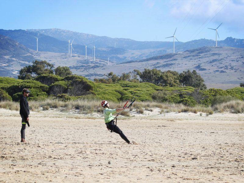 Cours de kitesurf debutant, plage de Los lances Norte