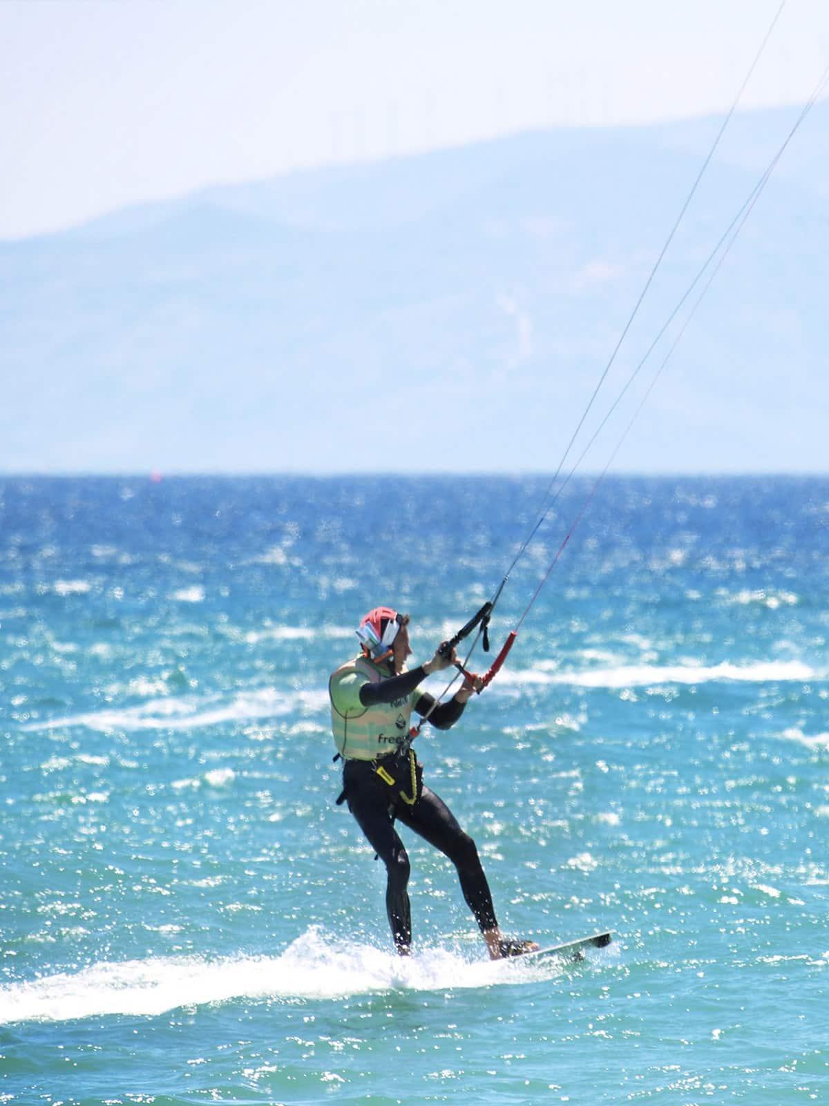 Apprenez a rider en kitesurf a Tarifa