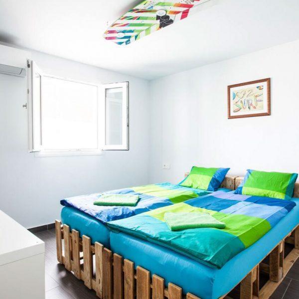 twin room shared bathroom hostel Tarifa