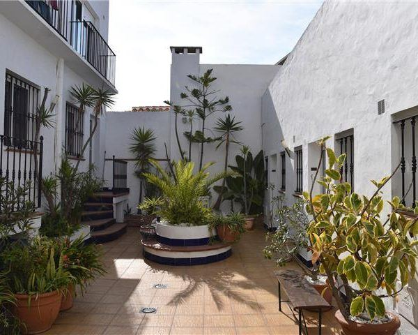 Patio Andalou Tarifa rental apartment