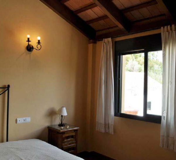 Double room in La Pena apartment