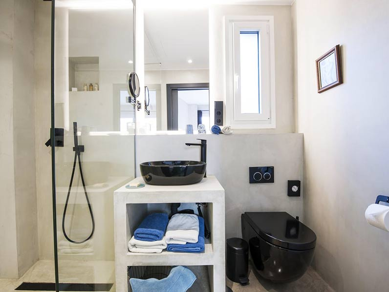 Bathroom hotel stay in Tarifa