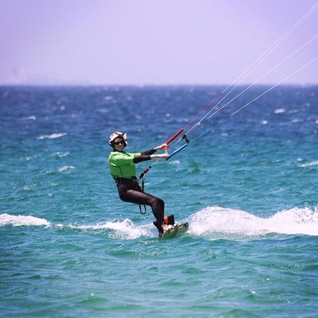 Cours de kitesurf niveau waterstart
